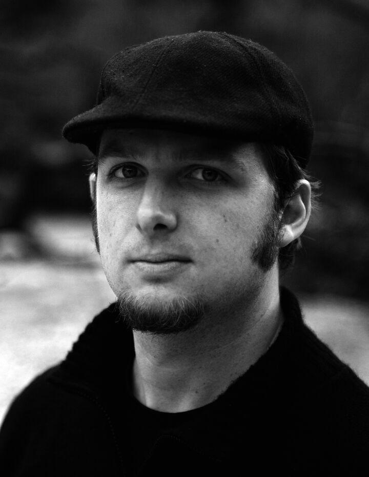 Portrait Tim Hoelscher