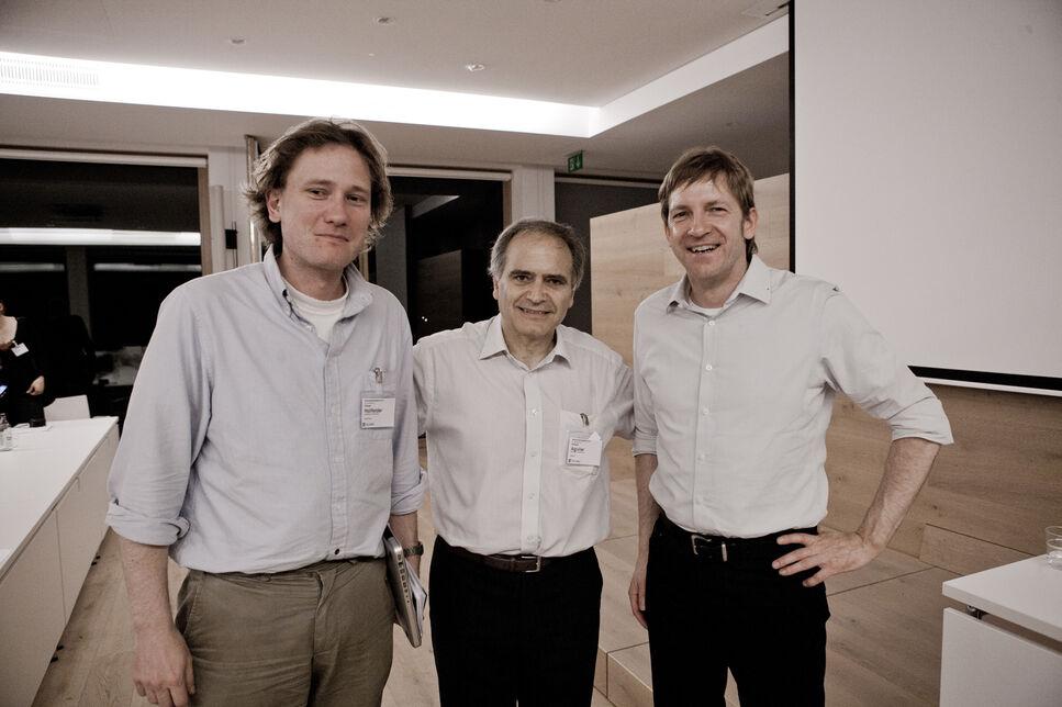 Von links nach rechts: Florian Hollfelder, University of Cambridge, UK, Alfredo Aguilar, Biotechnologies Unit, European Commission, Belgium,