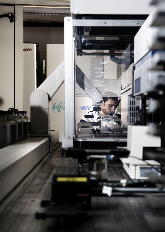 BRAIN Automatisierte Screening Anlagen: Unter Verwendung von zellulär basierten Tests werden Hochdurchsatzprogramme zur Identifizierung von