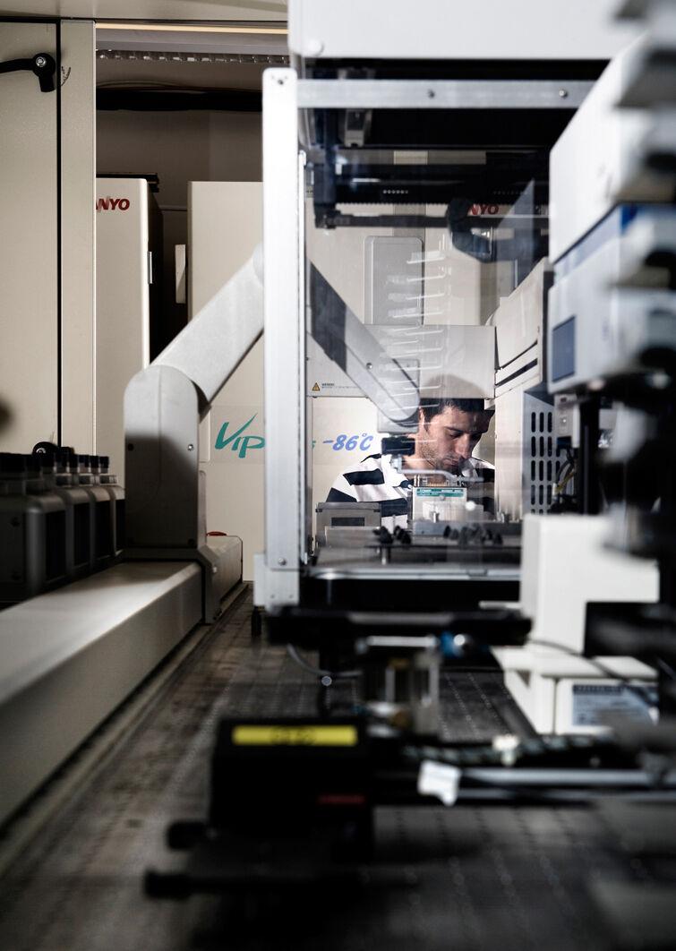 Arbeit am Screening Roboter