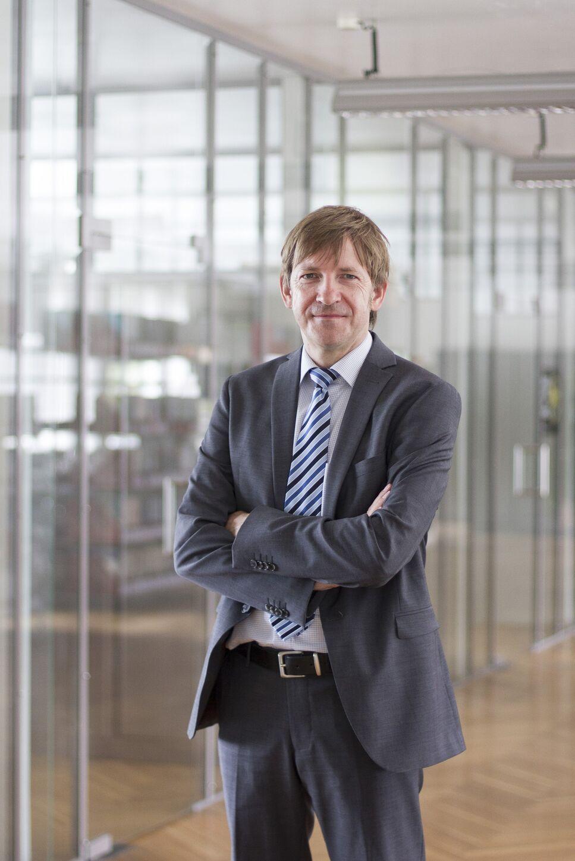 Seit dem 01.07.2015 hat Dr. Jürgen Eck, langjähriger CTO der BRAIN die Funktion des Vorstandsvorsitzenden (CEO) der BRAIN AG übernommen