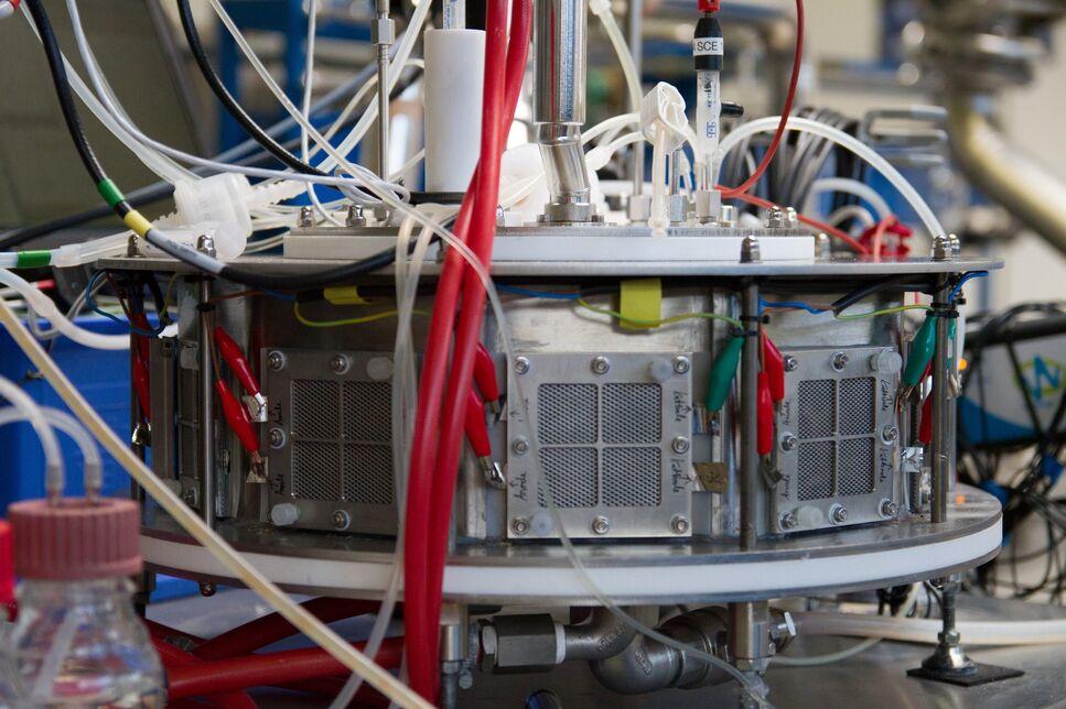Elektro-Biogas Fermenter mit  montieren Brennstoffzellen