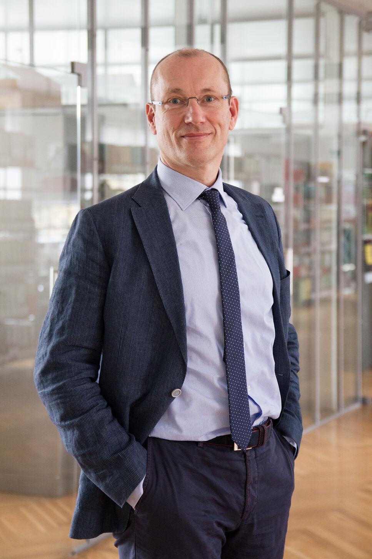 Seit 01.11.2015 ist Eric Marks Teil des zweiköpfigen Vorstands der BRAIN. Er nimmt dort die Funktion des Chief Operating Officers wahr.