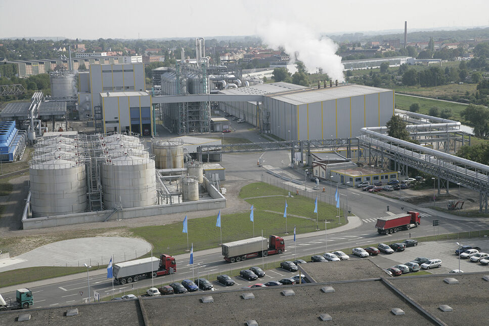 Bioethanol production plant of CropEnergies AG in Zeitz, a subsidiary of Südzucker: The resulting of CO2 in the production of BioEthanol is microbially bound will be converted to mono- and dicarboxylic acids